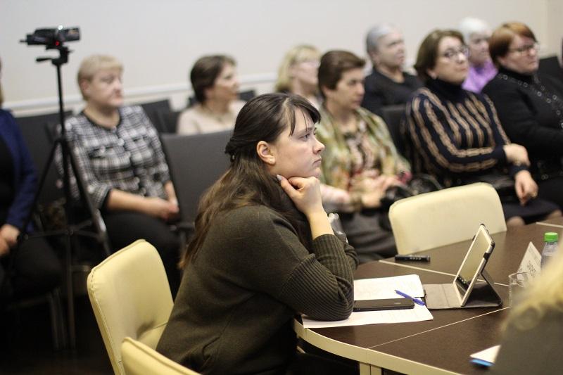 Муниципальные депутаты проголосовали за корректировку перечня дополнительных мероприятий по социально-экономическому развитию Нагатина-Садовников в 2020 году